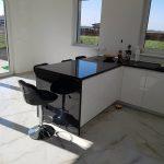 Virtuvė stalviršis juoda balta