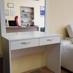 kompaktiškas kosmetinis staliukas namams viešbučiams